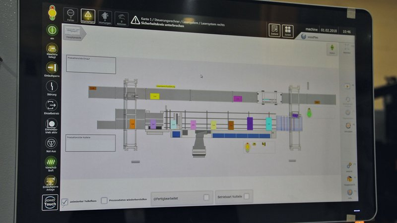 Consistent digitalization means that each individual workpiece can be followed in the system in real time on the screen.