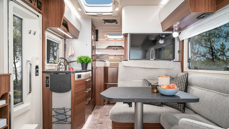 Every model is built and equipped differently, furthermore there are customer-specific changes: The furniture production is a key component of high-quality interior fitting of the HYMER camping mobiles. Source: HYMER GmbH & Co. KG