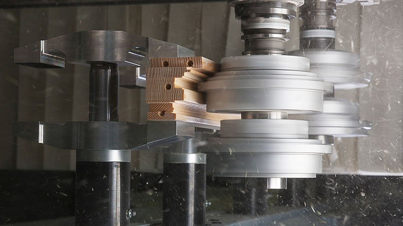 Trim two workpieces in one process step with the profile splitting unit