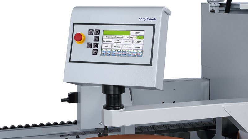 "easyTouch control - 7"" touch display for easy and intuitive oparation of the machine"