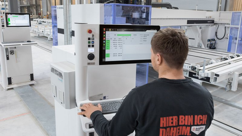 The highly automated productionline of WEINMANN enables SchwörerHaus a flexible and precise prefabrication.