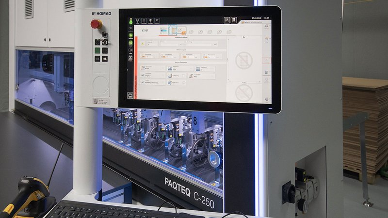 PAQTEQ C-250: intelliCut machine control in a simple way