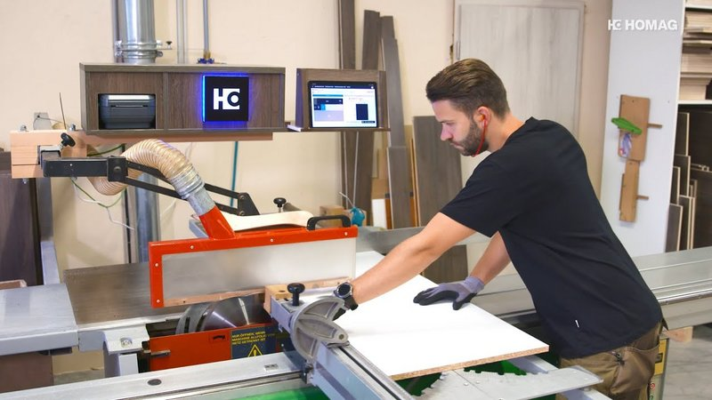 Label printing also on the manual saw: The Cutting Production Set at the Schmidt & Bauer joinery