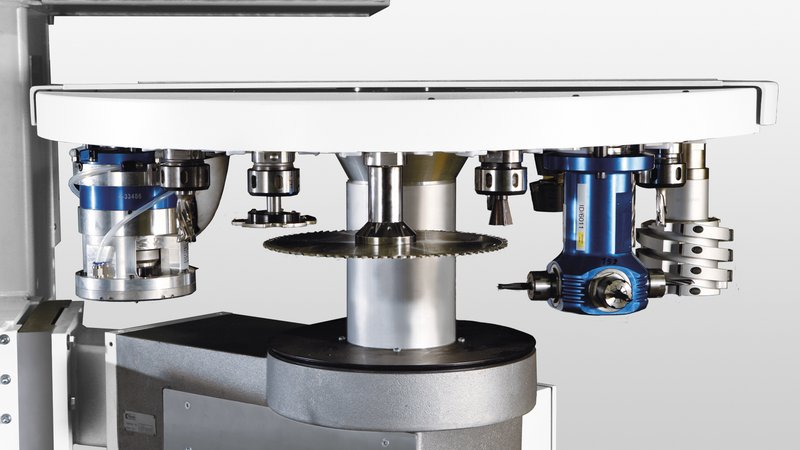 Tool changer for CNC processing centers from HOMAG