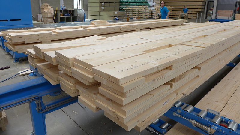 WEINMANN Fully automatic provision of the processed wood