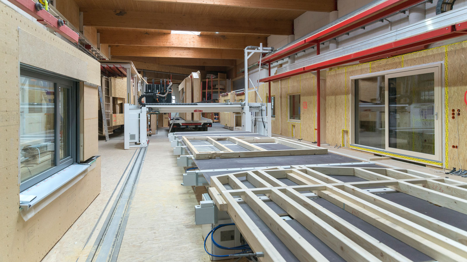 Prefabrication in timber construction - Profitable production. Ergonomic working.